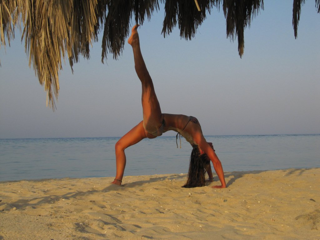 Egypt_posture on beach 2
