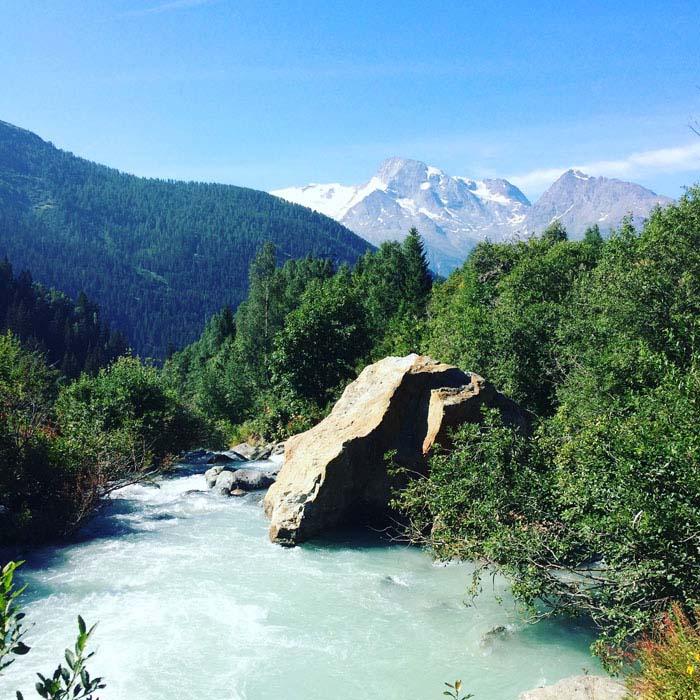 yoga-retreats-holidays-french-alps-hiking-03