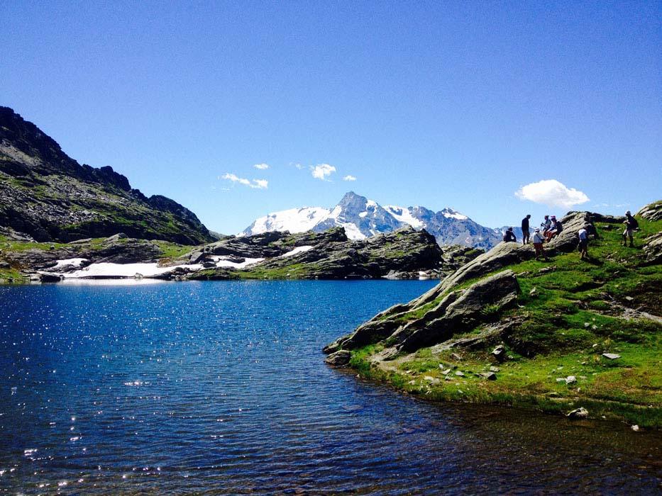 yoga-retreats-holidays-french-alps-hiking-10