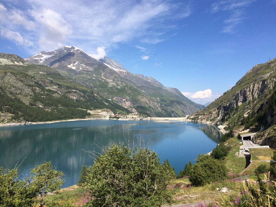 yoga-retreats-holidays-french-alps-hiking-16
